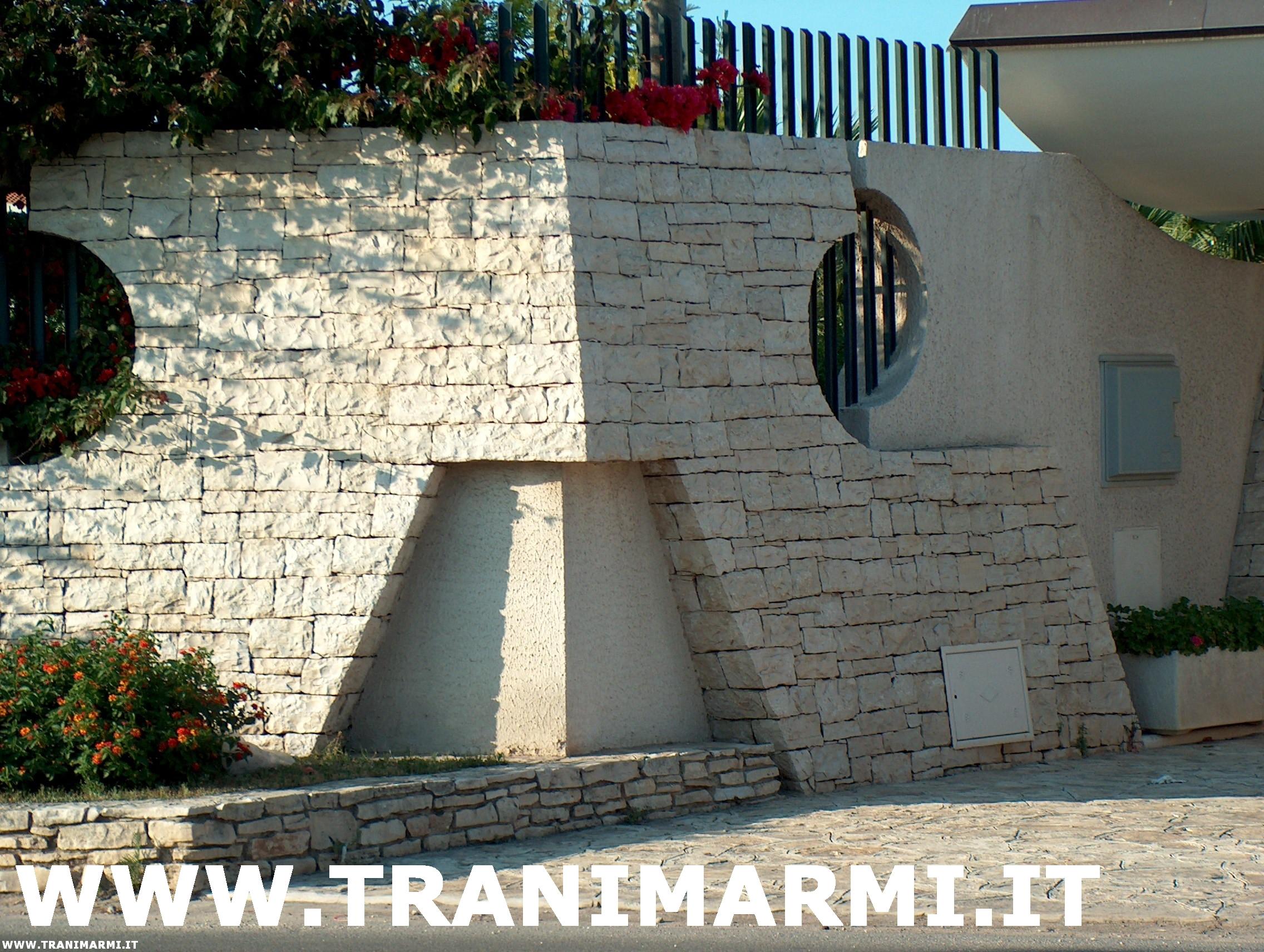 Rivestimento muro interno con pietra di trani decorare la tua casa - Pietra da interno su muro ...